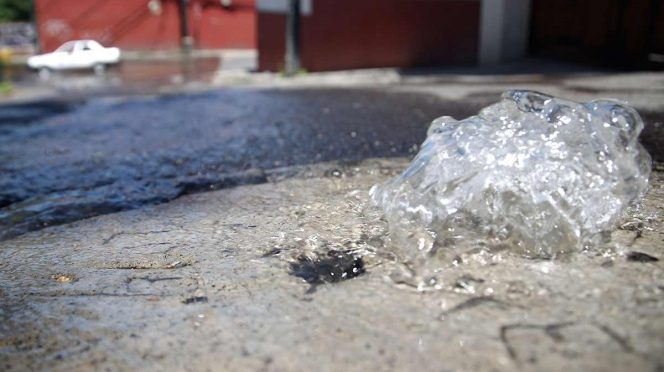 Villahermosa: Por fugas se desperdicia 44% de agua potable en Villahermosa (Excelsior)