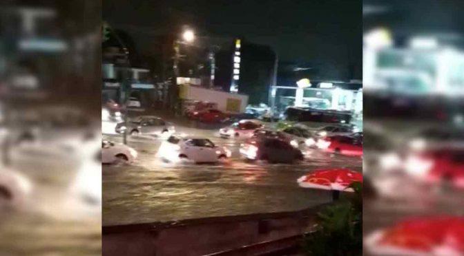 CDMX: Bajada de agua e inundación provocan 'caos' en la Picacho-Ajusco (Excelsior)