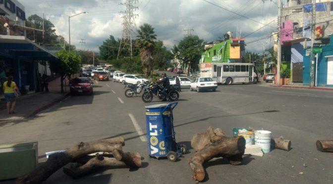 Cuernavaca: Protestan vecinos de Patios de la Estación por falta de agua potable (La Unión)