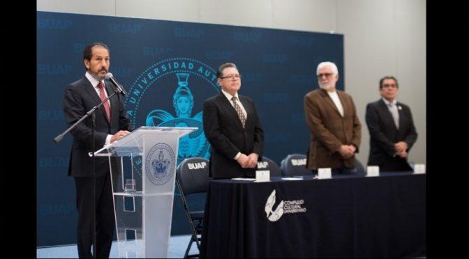 Puebla: Como institución pública, a la BUAP le corresponde generar alternativas para atender el problema del agua: Rector Alfonso Esparza (Central)
