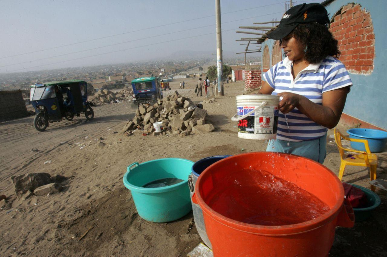 La carencia de agua limpia y potable impacta directamente en la economía ( Yahoo Noticias)