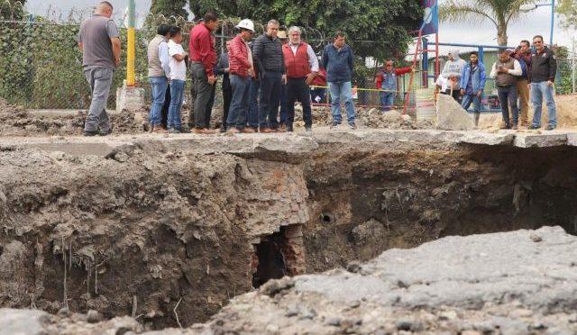 Edomex: Gobierno de Ecatepec repara socavones (Diario Basata!)