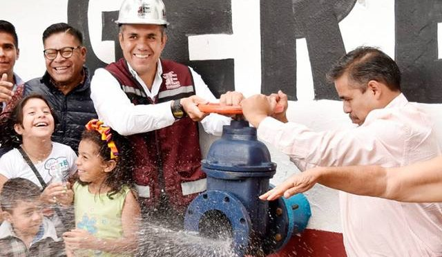 Anuncian la perforación de 15 pozos para mejorar abasto de agua a los habitantes de Ecatepec (La Prensa)