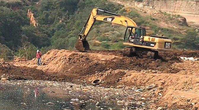 Edomex: Se fugan lixiviados de relleno Tepatlaxco (El Universal)