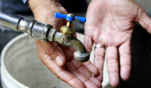 Toluca: Vecinos de La Teresona llevan dos semanas sin agua (El Sol de Toluca)