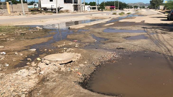 Hermosillo: Fuga de agua en Altares cumple 2 meses       (Expreso)
