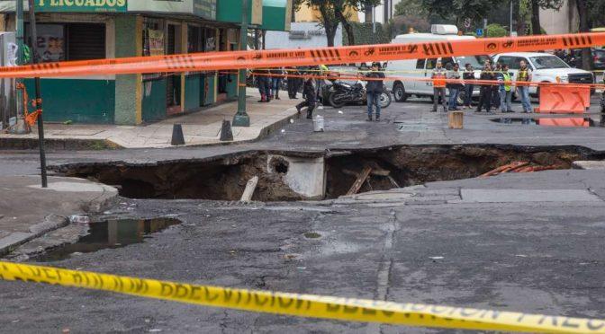 ¿La CDMX es la capital de los socavones? Nos hundimos hasta 40 cm por año (Heraldo de México)