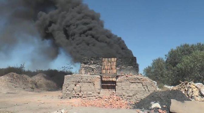 San Luis Potosí: Reprochan a Gobernador contaminación que generan ladrilleras (Código San Luis)
