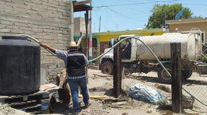 Sinaloa: Miles de escuinapenses sufren de agua potable después de que CFE cortó la luz (debate)
