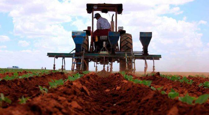 CNA prevé riesgos por impuesto al agua (La Razón)