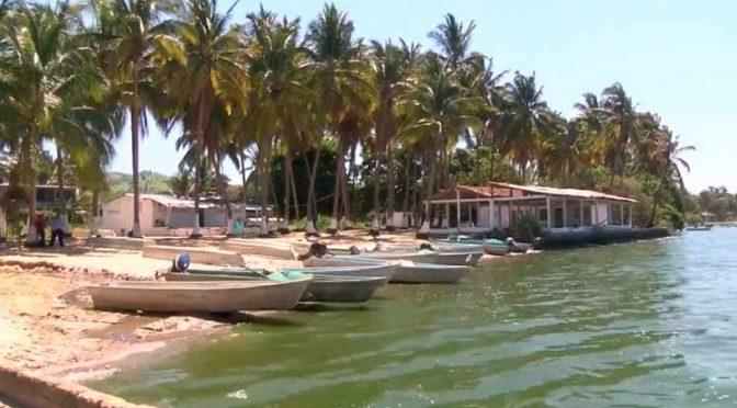 Guererro: Exhortan a actuar contra quienes contaminan la laguna de Tres Palos (La jornada Guerrero)