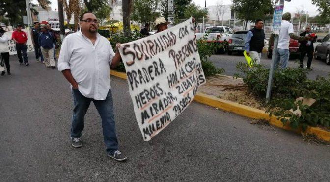 Querétaro: Habitantes de La Pradera se manifiestan por servicio de agua (Diario de Querétaro)