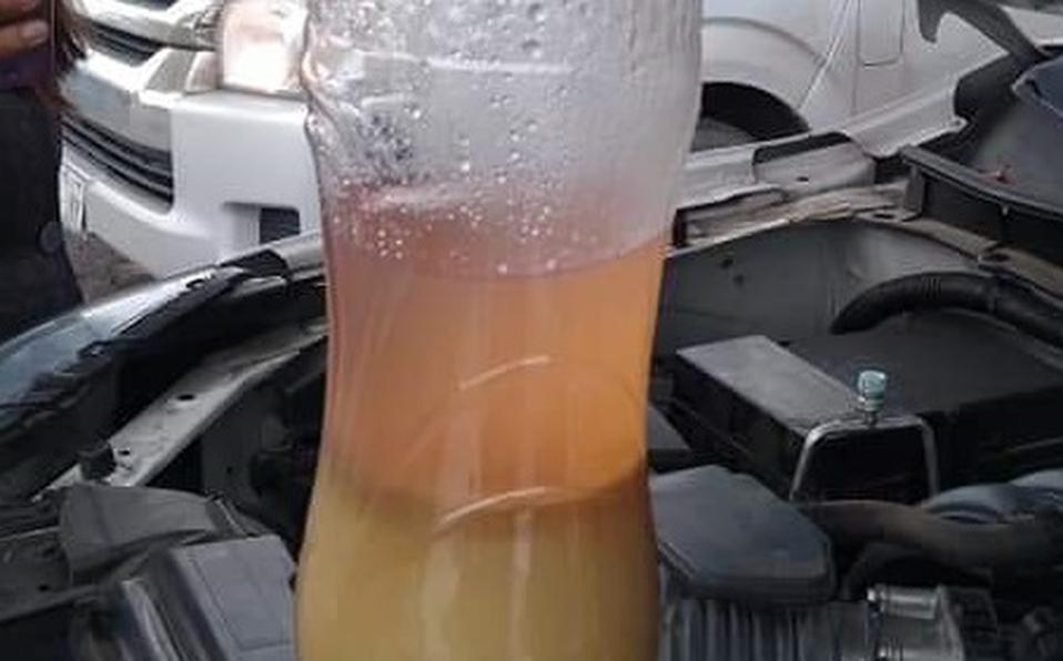 Edomex: Reportan 30 autos varados por cargar 'gasolina con agua' (Milenio)