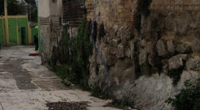 EDOMEX: Vecinos denuncian fuga de agua potable en Naucalpan (Milenio)
