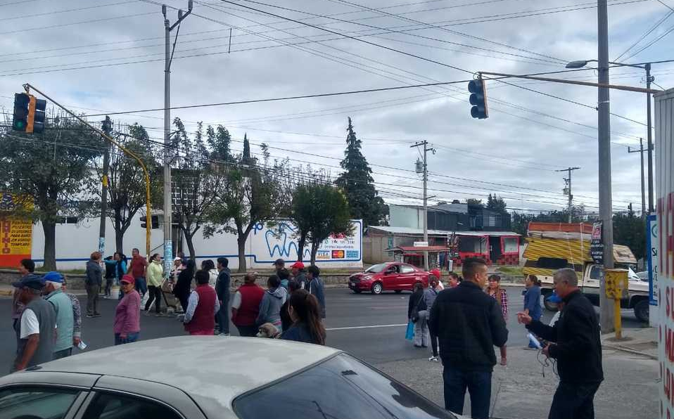 Tlaxcala: Pobladores cierran carretera por falta de suministro de agua potable en Ocotlán (Milenio)