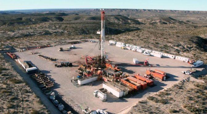 Las potencias europeas promueven el fracking fuera mientras lo prohíben dentro de sus fronteras (Desinformemonos)