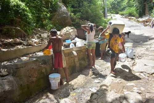 Guerrero: Escasez de agua en Acapulco afecta zonas pobres, turísticas y de lujo (La Jornada)