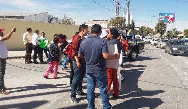 Bloquean Acceso Norte por falta de agua (El Sol de San Luis)