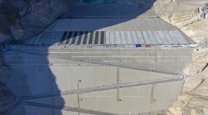 Presa hídrica del proyecto de conservación de agua Aratax en Xinjiang (Xinhuanet)