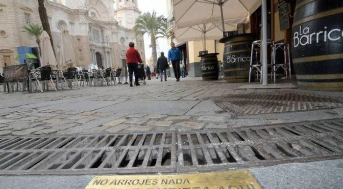 Cádiz: El mar que empieza en las alcantarillas (El País)