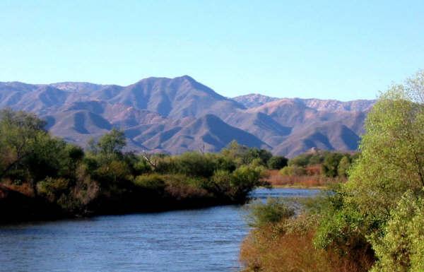 Despojo de agua en la cuenca del río Yaqui, Hermosillo, Sonora, México