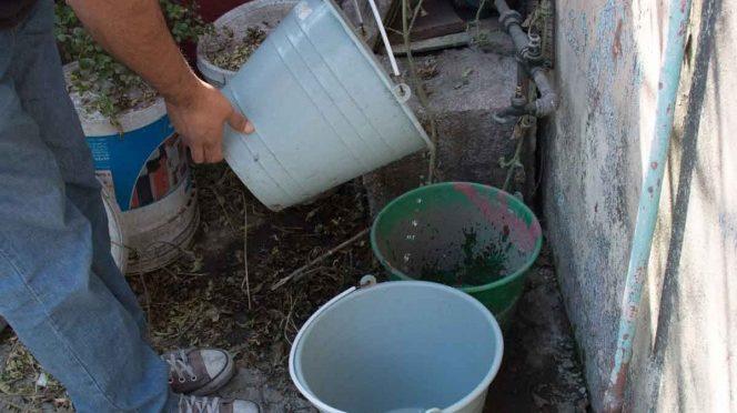 Piden tope al consumo de agua potable; guerra entre oriente y poniente de la CDMX (Excelsior)