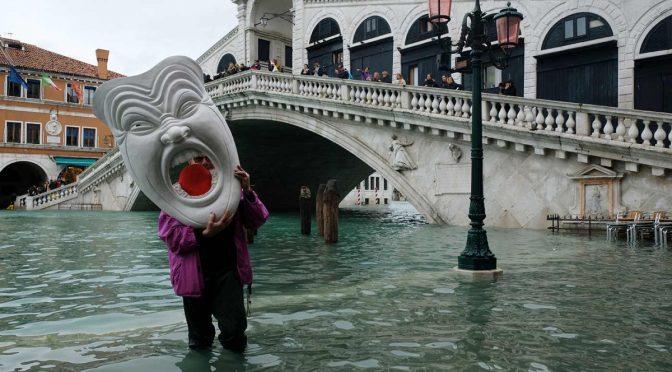 Se modera el agua en Venecia, pero ahora sufren Florencia y Pisa (Excelsior)