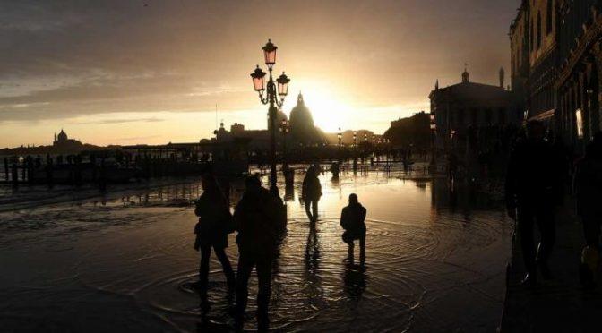La calma regresa a Venecia, pero ahora el agua hace sufrir a Florencia y Pisa (Imagen)