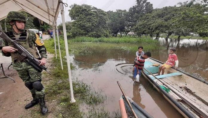 Veracruz: Activan plan DN-III tras desborde de río en Agua Dulce (La Silla Rota)