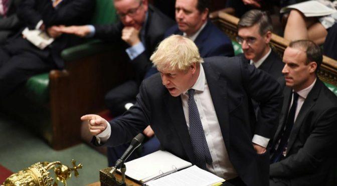 Reino Unido impone moratoria al 'fracking' por temor a sismos (El Tiempo)