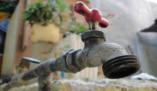 """""""Agua, sin riesgo para la salud"""" (El Sol de Durango)"""