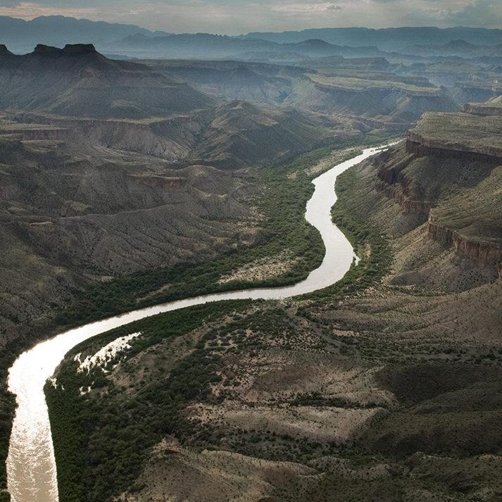 Usos y abusos del agua en la historia del río Grande. El agua en el norte de México y suroeste de los EEUU. De la cultura del agua a los problemas trasnacionales