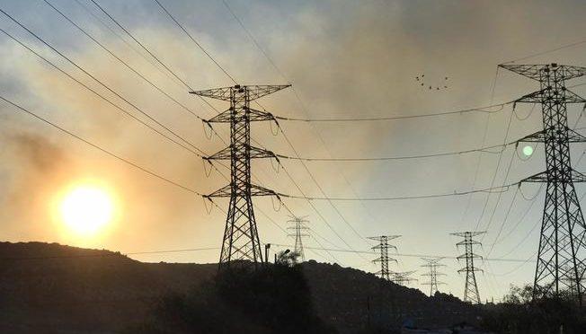 Con pocos recursos y a veces sin agua, bomberos combaten incendios en Tijuana (Telemundo 20)