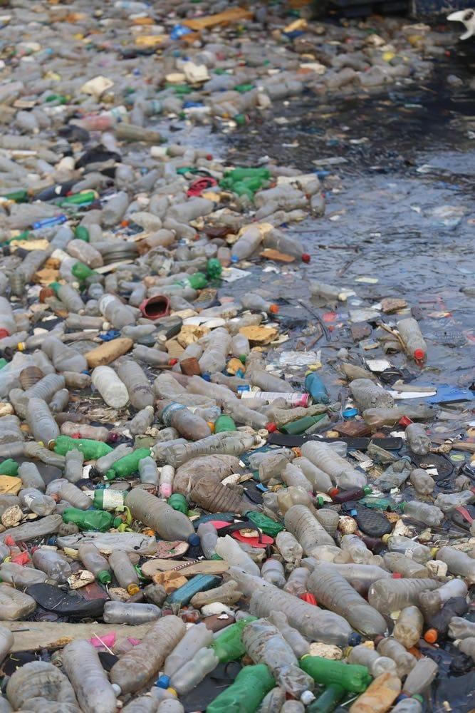 El confinamiento de la basura urbana y la contaminación de las fuentes de agua en México
