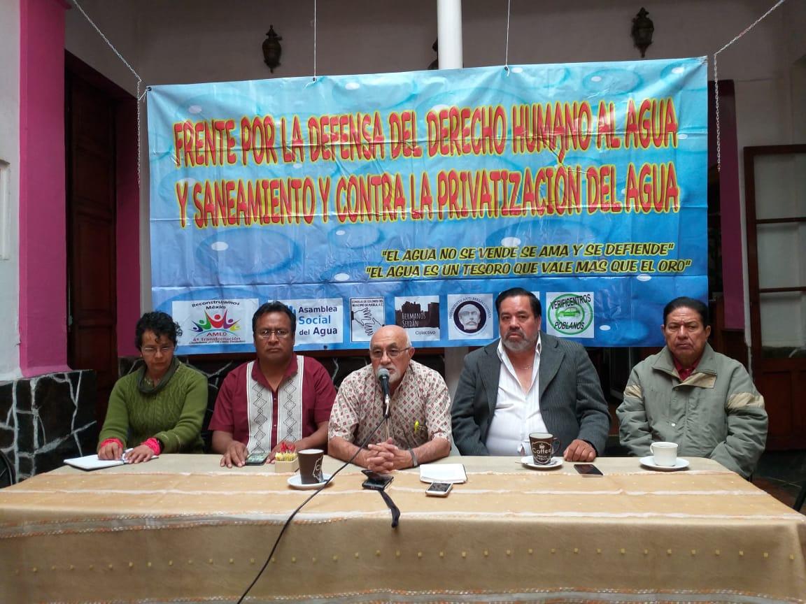 Exige frente al congreso y al ayuntamiento que regularicen las tarifas por servicio de agua en Puebla (La Jornada de Oriente)