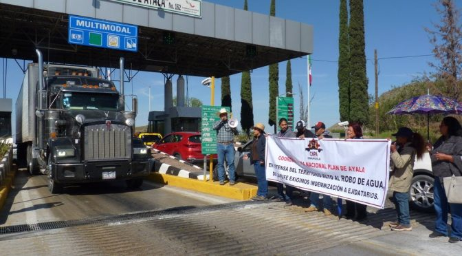 Coahuila: 'Les levantamos las plumas, así como nos roban el agua' (Vanguardia)