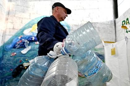 Malasia le devolvió su basura plástica a Reino Unido (bbcl)