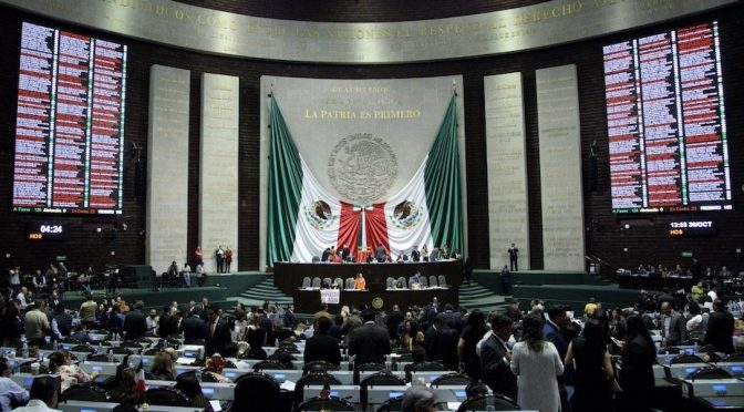 Diputados aceptan que campesinos no paguen por uso de agua (Reporte Indigo)