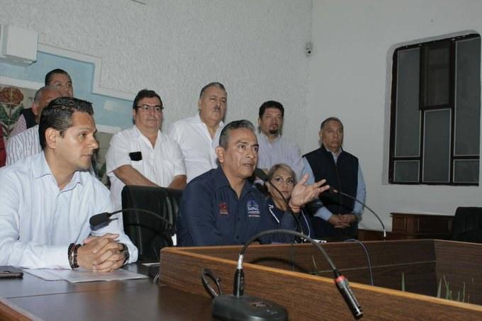 Morelos: Renuncian principales funcionarios del Sistema de Agua de Cuernavaca (La Jornada)