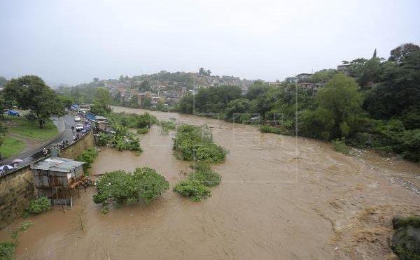 Crisis climática arrasa cultivos, ríos y ganado en empobrecida Centroamérica (EFE)