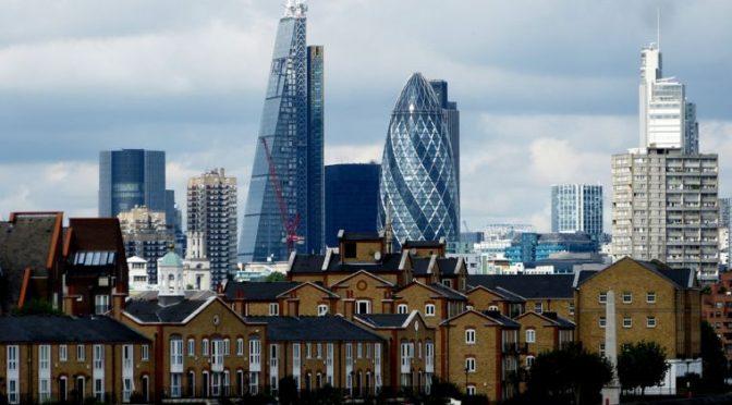 Inglaterra prohíbe el fracking por temor a sismos (El Economista)