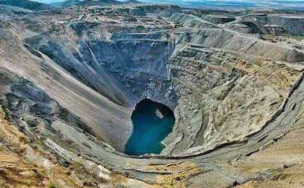 México: Industria minera dice que usa menos agua que la textil y agroalimentaria (Dossier Político)