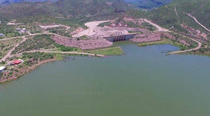 """Torreón: """"Se fuga"""" agua en la presa Francisco Zarco (Noticias de el Sol de La Laguna)"""