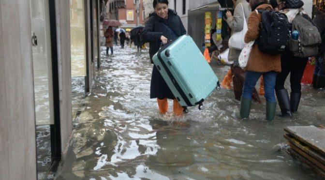 El agua empieza a bajar en Venecia tras nuevas inundaciones (El Debate)
