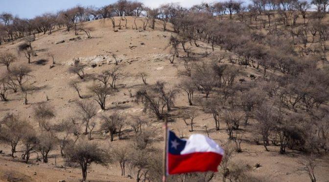 Chile pide a municipios y empresas reducir consumo agua un 10 % por sequía (La Vanguardia)