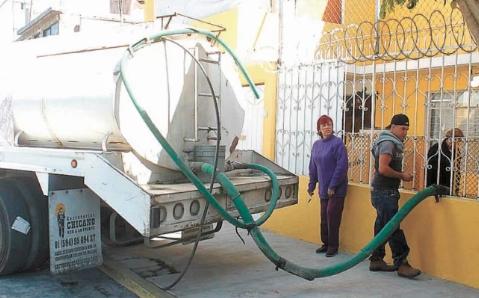 CDMX: Sufren desabasto de agua vecinos de Ecatepec (El Universal)