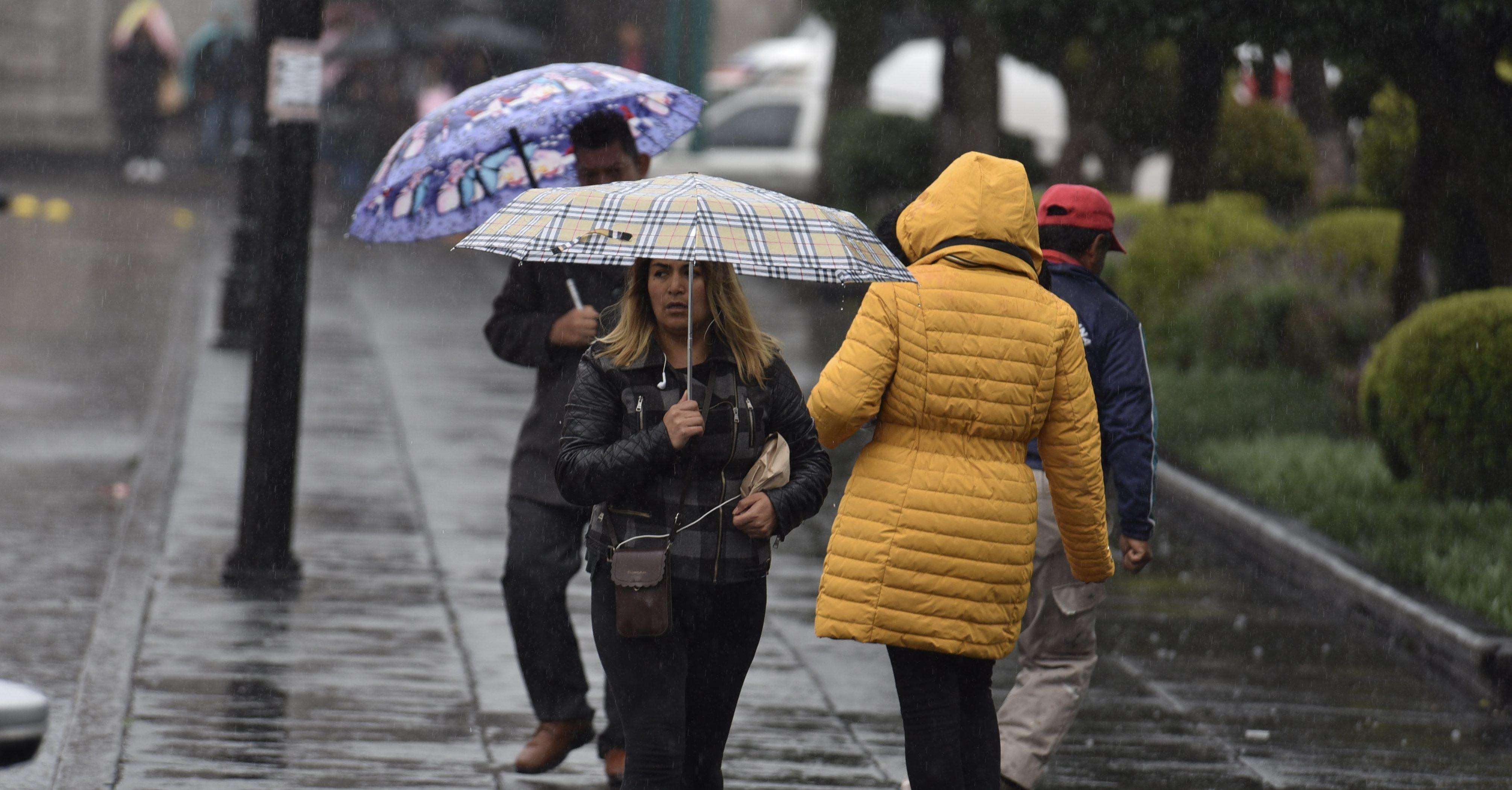 México: Nieve, lluvias y neblina: Tormenta invernal provocará baja de temperaturas (Animal Político)