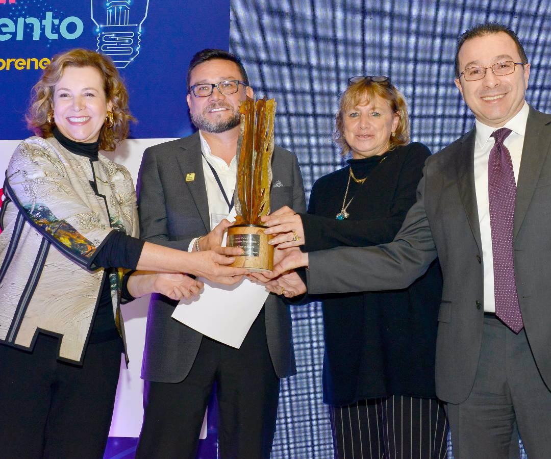 Colombia: El emprendimiento H2origen recibió el Premio Everis 2019 (La República)