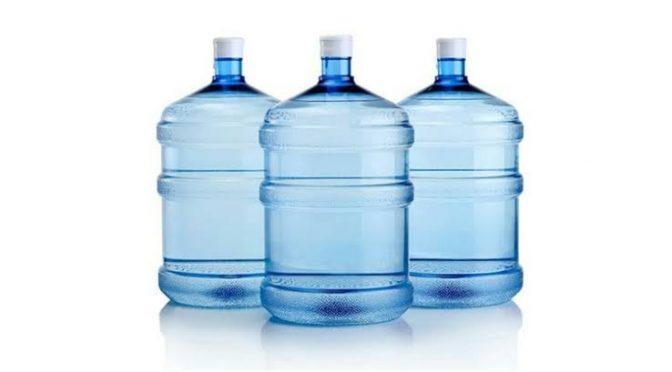 Agua envasada: ¿verdadera fuente de salud o solo marketing? (Infobae)