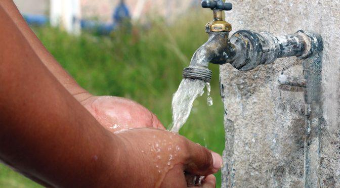 Alza al agua divide opiniones en SLP (Plano Informativo)